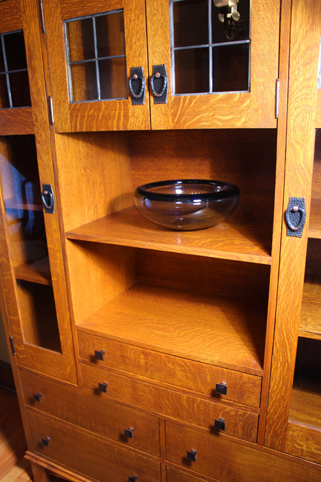 Craftsman Quarter Sawn Oak Cabinet With Leaded Glass