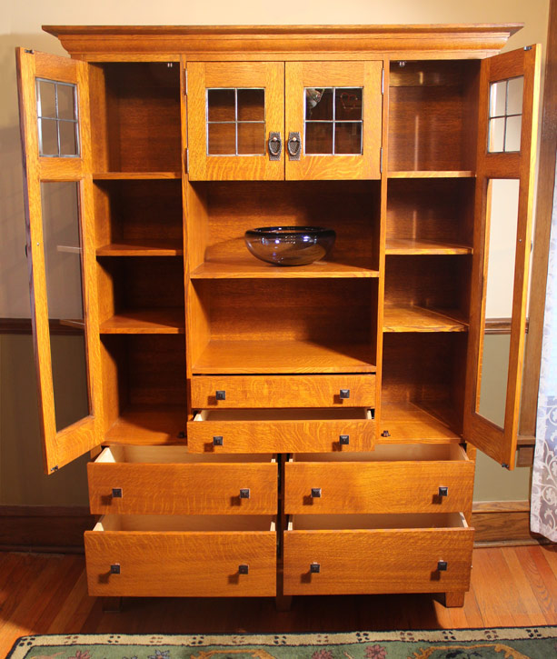 Craftsman Quarter-Sawn Oak Cabinet with Leaded Glass