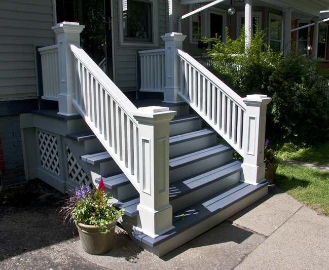 Edgewater Front Porch, Rails and Newel Posts